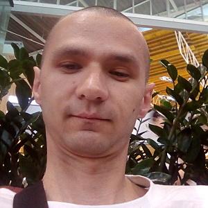 Muž 30 rokov Bratislava