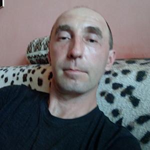 Muž 43 rokov Galanta