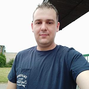 Muž 32 rokov Hanušovce nad Topľou