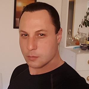 Muž 45 rokov Trenčín