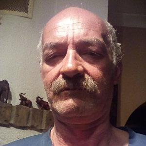 Muž 55 rokov Galanta
