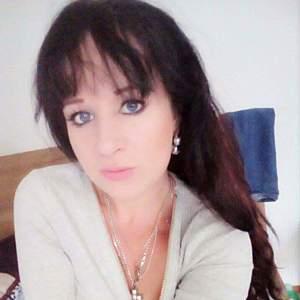 Žena 28 rokov Nové Mesto nad Váhom