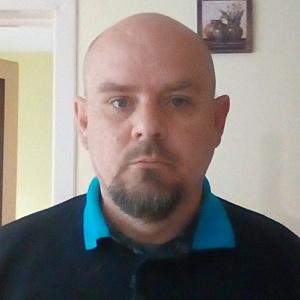 Muž 48 rokov Púchov