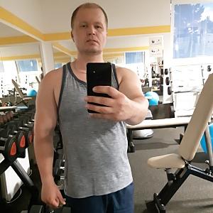 Muž 46 rokov Detva