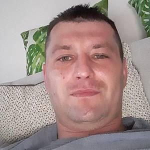 Muž 33 rokov Stropkov