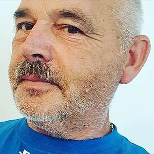 Muž 54 rokov Pezinok