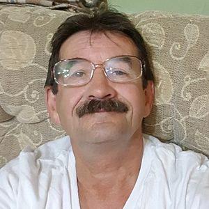 Muž 69 rokov Levice