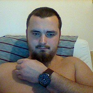 Muž 25 rokov Pezinok