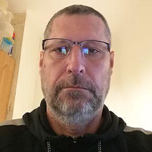 Muž 53 rokov Trenčín