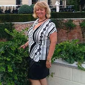 Žena 50 rokov Galanta