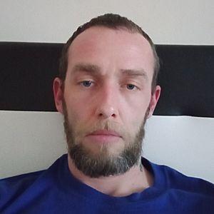Muž 33 rokov Dunajská Streda