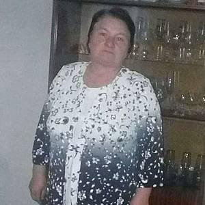 Žena 63 rokov Sabinov