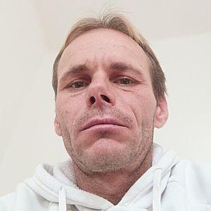 Muž 42 rokov Senica