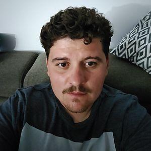Muž 27 rokov Hlohovec