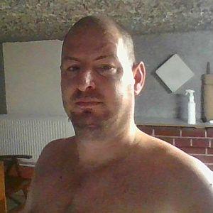 Muž 39 rokov Hlohovec