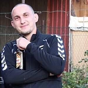 Muž 27 rokov Nové Mesto nad Váhom