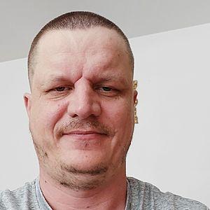 Muž 45 rokov Revúca