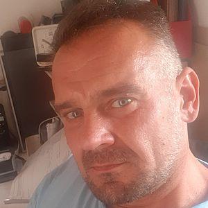 Muž 42 rokov Nové Mesto nad Váhom