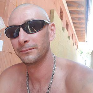 Muž 34 rokov Komárno